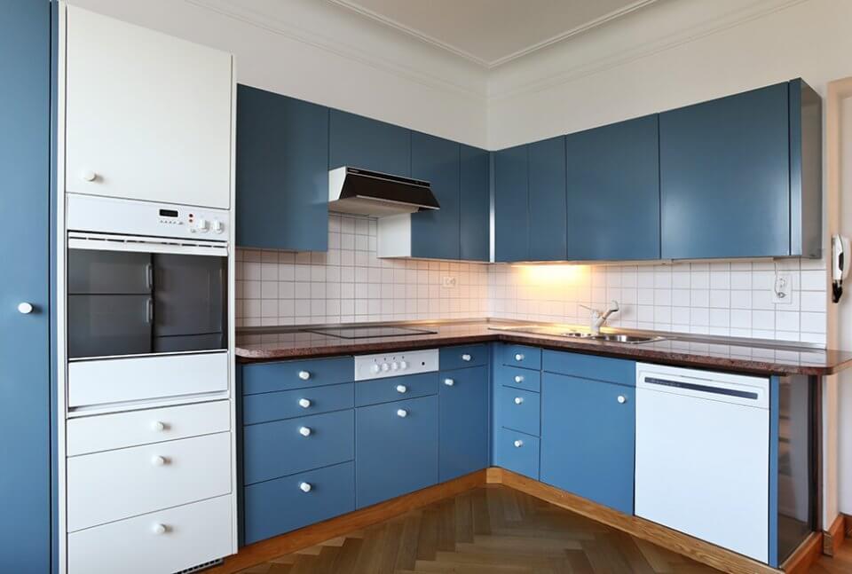 Cor azul Niagara na cozinha