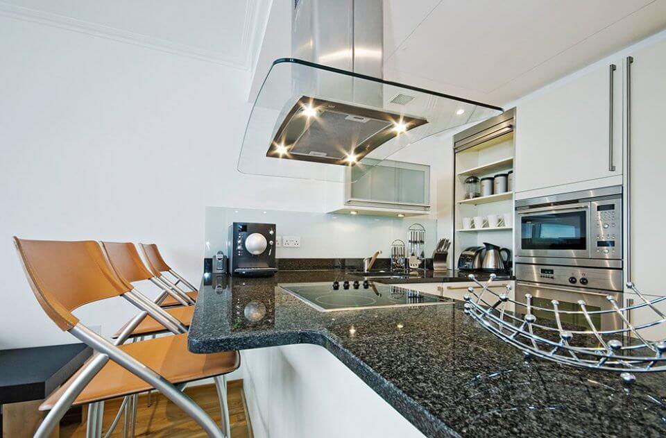 Coifa de ilha - integração ao ambiente da cozinha